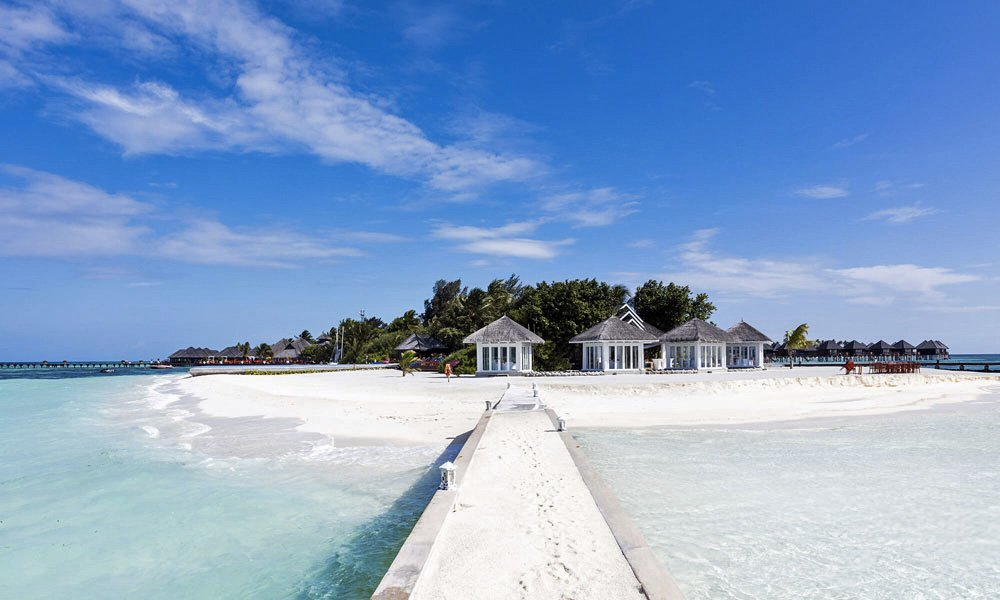 Olhuveli Beach & Spa Resort